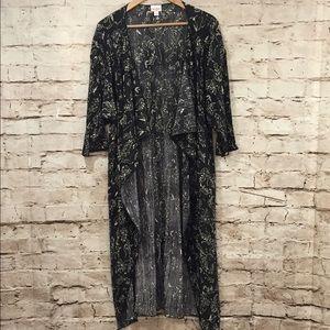 LuLaRoe Shirley Kimono Black and White Floral Med